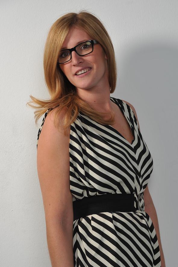 Julia Hasselbacher, Friseurin